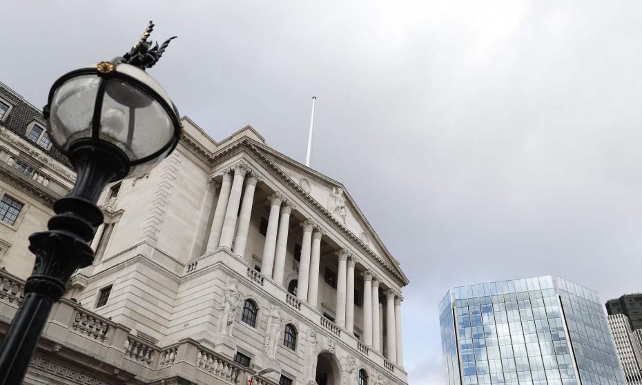 Σταθερά τα επιτόκια της BoE στη Βρετανία
