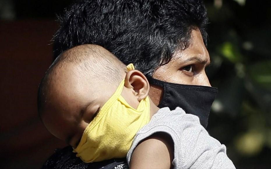 Αλλεπάλληλα ρεκόρ κρουσμάτων στην Ινδία