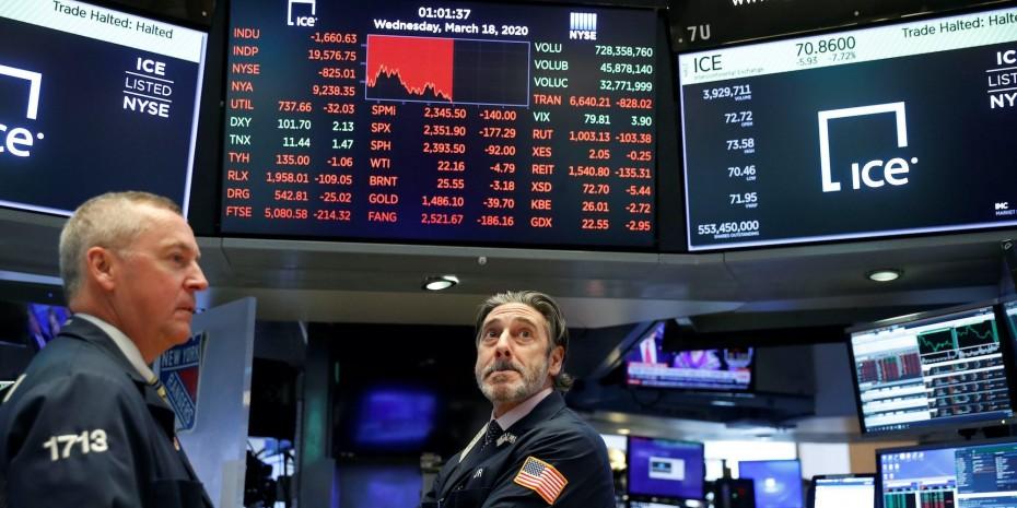 Τα αμερικανικά μάκρο ανεβάζουν τη Wall Street για την Τετάρτη