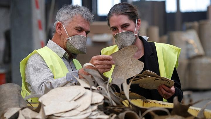 Γαλλία: Οι πρώτες βιοδασπώμενες μάσκες από κάνναβη [Βίντεο]