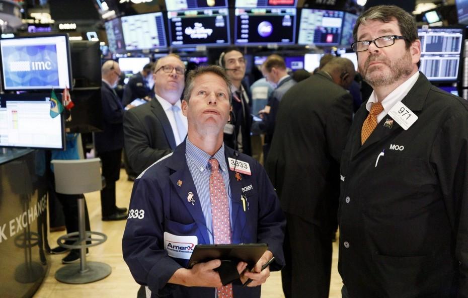 Πτωτική τάση στους δείκτες της Wall Street