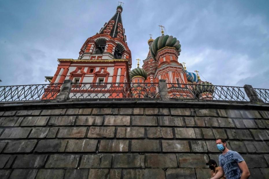 Πλησιάζουν τους 19.000 οι νεκροί από τον κορονοϊό στη Ρωσία
