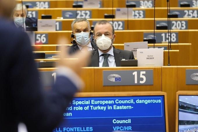 Ο Βέμπερ θέλει τον τερματισμό των ενταξιακών συζητήσεων της ΕΕ με την Τουρκία
