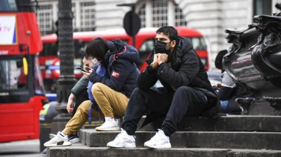 Πάνω από 4.000 τα νέα κρούσματα κορονοϊού στη Βρετανία