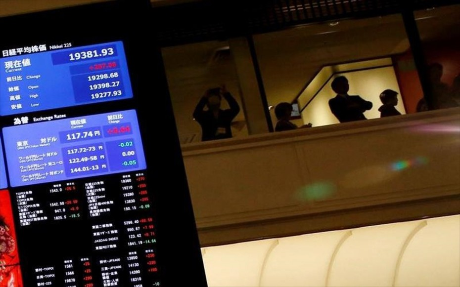 «Πράσινο» στην Ασία με το βλέμμα στη διαδοχή Άμπε και Fed