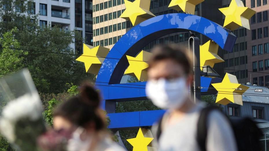Η ΕΚΤ εξετάζει την πώληση «κόκκινων δανείων» μέσω πλατφόρμας και σε μικρότερους επενδυτές