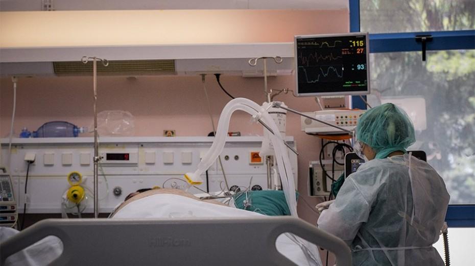 Κορονοϊός: Πρόβλεψη για δέσμευση κλινών από ιδιωτικά ή στρατιωτικά νοσοκομεία