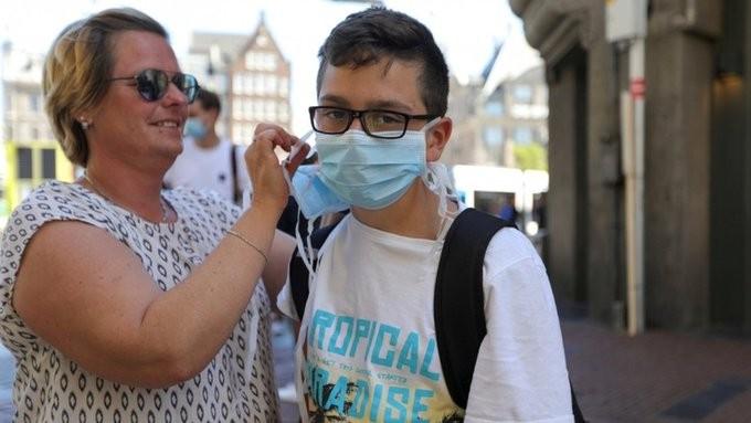 Νέο ρεκόρ ημερησίων κρουσμάτων κορονοϊού στην Ολλανδία