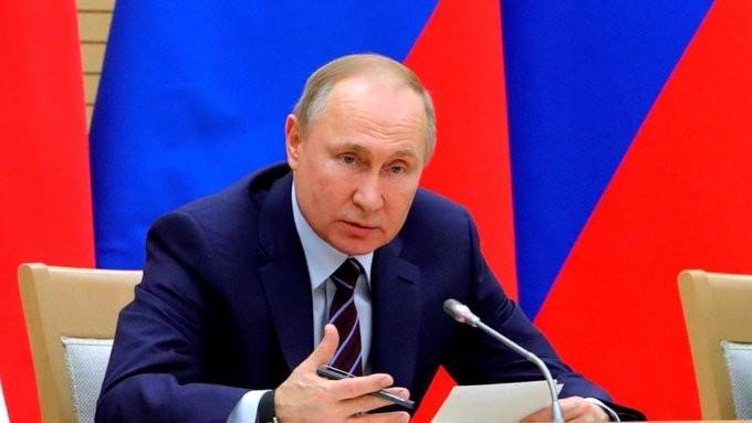 Ο Πούτιν έτοιμος να κάνει το εμβόλιο κατά του κορονοϊού
