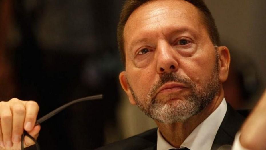 Προειδοποιήσεις από Στουρνάρα για ύφεση και «κόκκινα» δάνεια