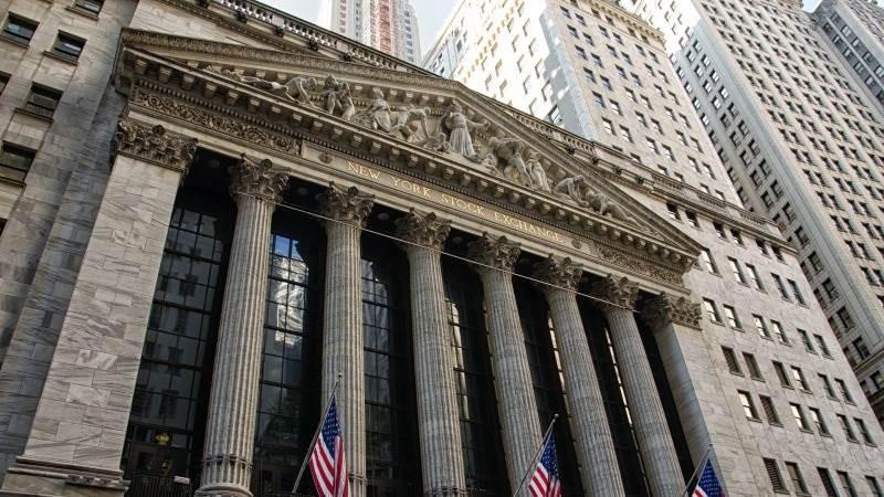 Θετικό ξεκίνημα Πέμπτης στη Wall Street, μετά τα αμερικανικά μάκρο