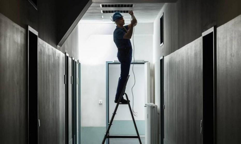 Συνεχίστηκε η τάση «ασανσέρ» στο ΧΑ, για την Τετάρτη