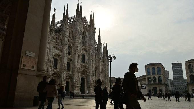 Ξανά ρεκόρ κρουσμάτων κορονοϊού στην Ιταλία, με άνω των 16.000 νέων μολύνσεων
