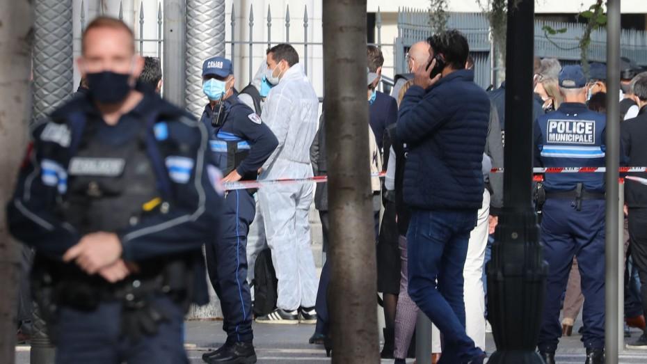 Μπαράζ τρομοκρατικών επιθέσεων κατά της Γαλλίας