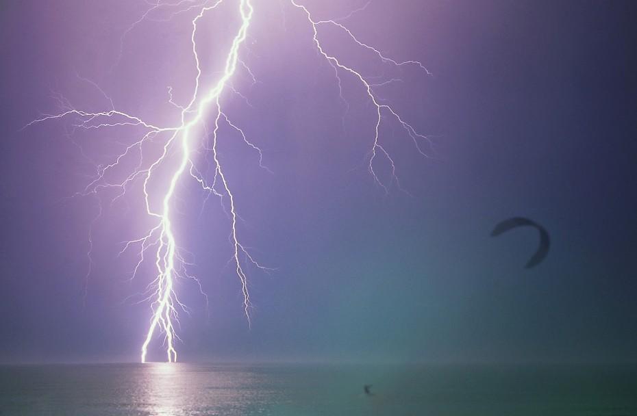 Τραγωδία στη Ρόδο: Νεκροί kitesurfers - Παρασύρθηκαν απ΄τους δυνατούς ανέμους