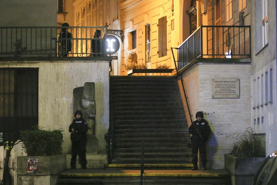 Στις 14 οι συλλήψεις για το τρομοκρατικό χτύπημα στη Βιέννη