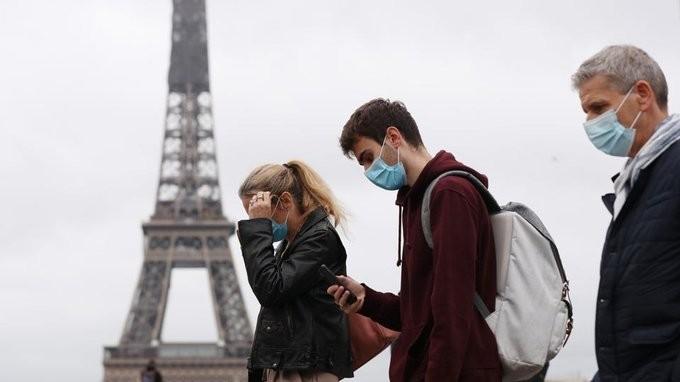 Σε 3 βήματα η χαλάρωση του lockdown στη Γαλλία