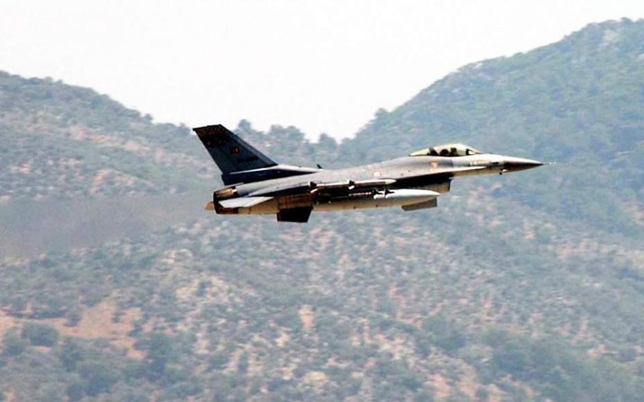 Αιγαίο: 26 τουρκικές παραβιάσεις και μία εικονική αερομαχία την Παρασκευή
