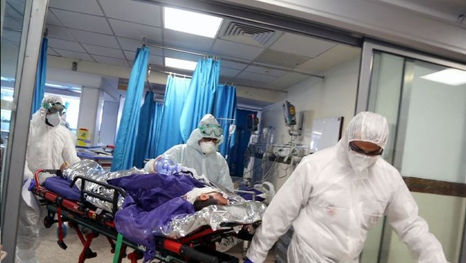 Σχεδόν 990.000 τα κρούσματα του κορονοϊού στο Ιράν