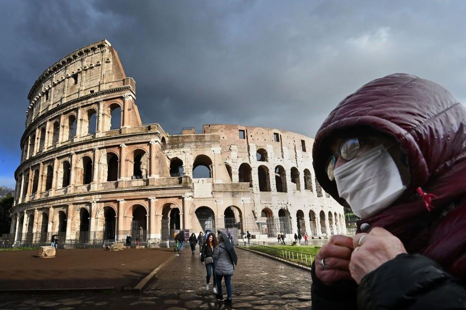 Ιταλία: Ακόμα πιο αυστηρά τα μέτρα κατά τη διάρκεια των εορτών