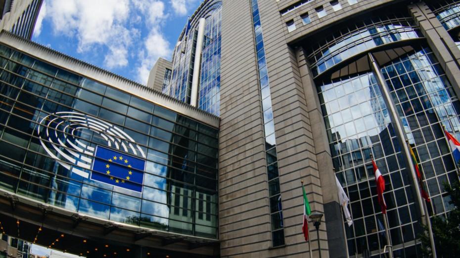 Κομισιόν: Κρατική στήριξη τραπεζών με προνομιούχες και παράκαμψη bail-in