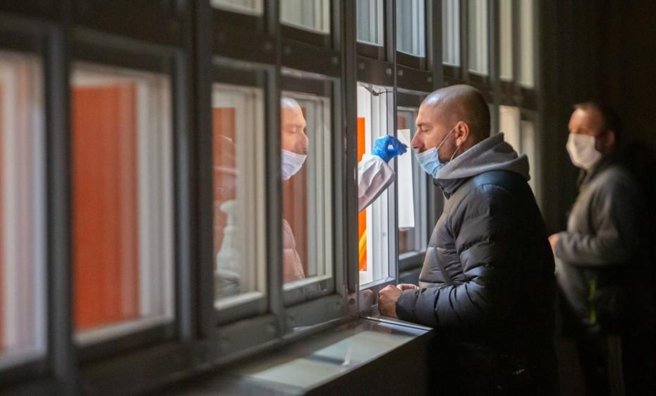 Η Πολωνία ξεπέρασε το 1 εκατ. κρουσμάτων του κορονοϊού