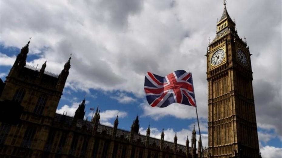 Βρετανία: Ξεπέρασε τους 100.000 νεκρούς