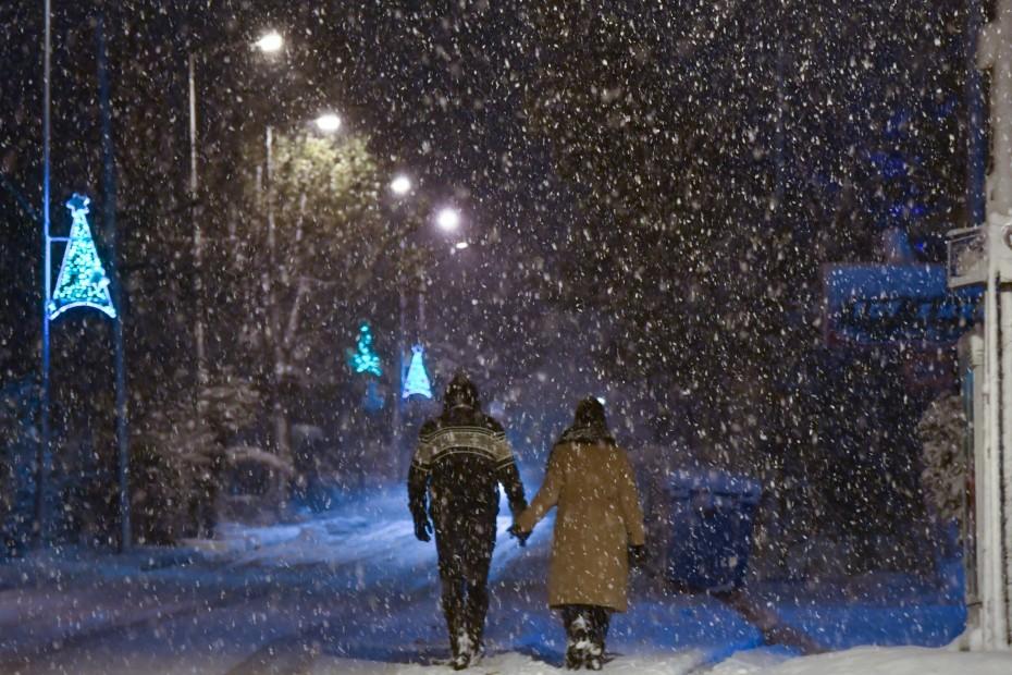Κακοκαιρία «Λέανδρος»: Χιονοπτώσεις και ψύχος σε κεντρικά και βόρεια από απόψε
