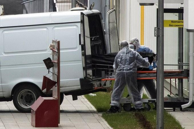 Πάνω από 66.000 οι νεκροί από τον κορονοϊό στη Ρωσία