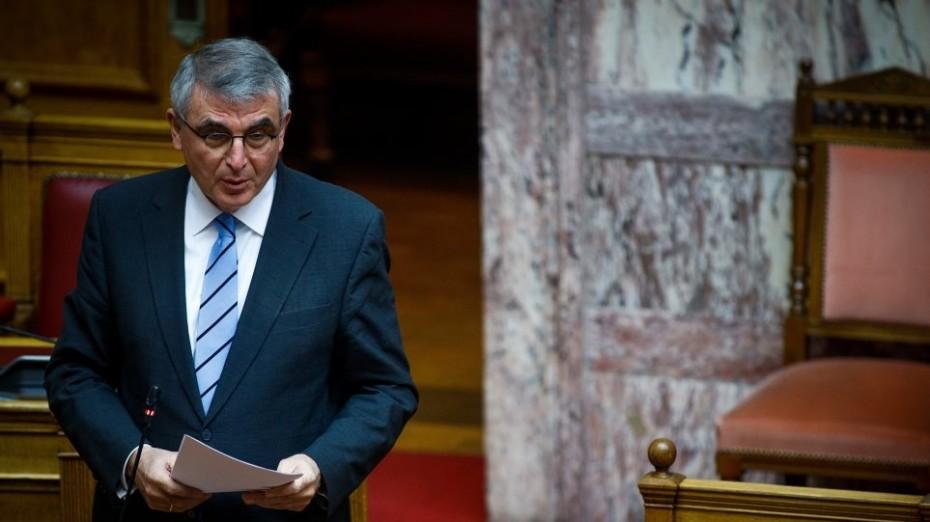 Ο Τσακλόγλου διαψεύδει τα περί μειώσεων στις συντάξεις