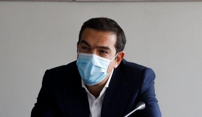 Τα 4 μέτρα στήριξης που προτείνει ο Τσίπρας για το λιανεμπόριο