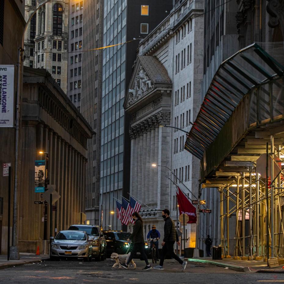 Σε ρυθμούς ορκωμοσίας και η Wall Street