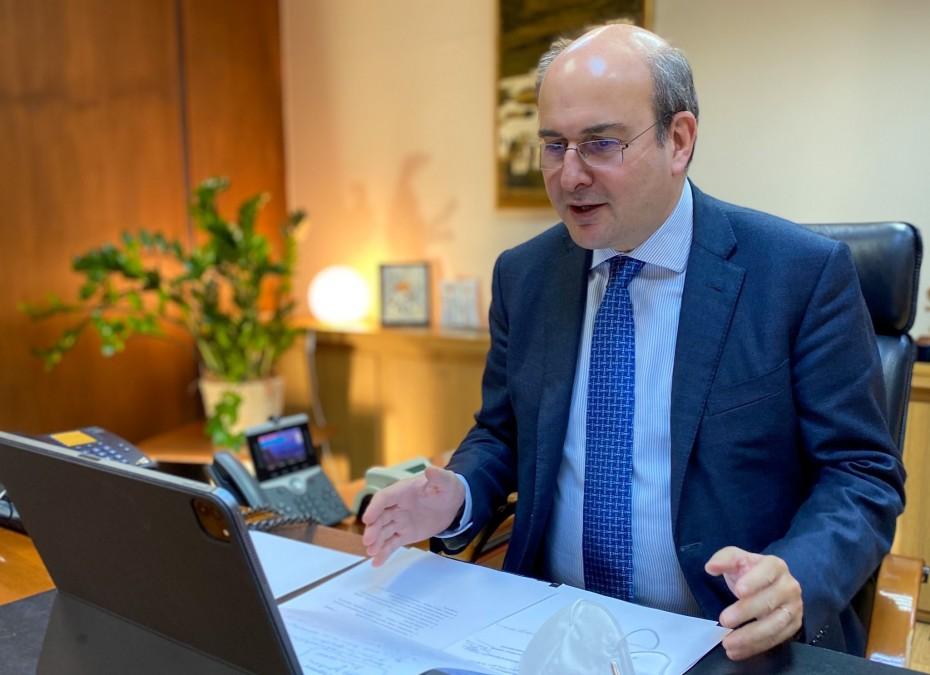 Ειδικός manager θα αναλάβει τις εκκρεμείς συντάξεις του ΕΦΚΑ
