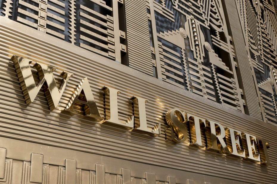 Στη «σκιά» των αποδόσεων των ομολόγων η Wall Street