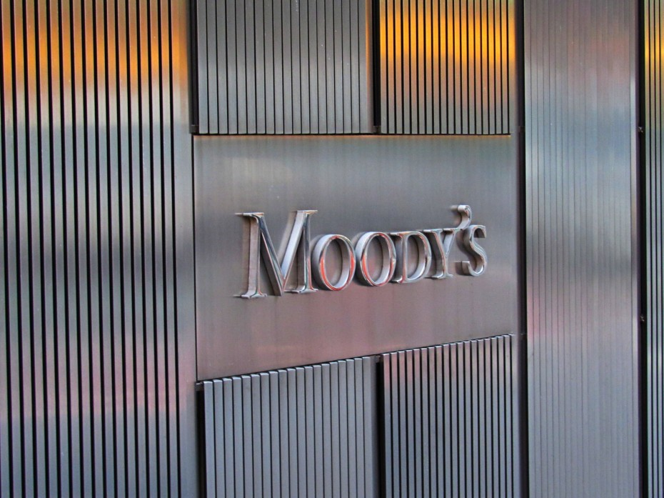 Moody's: Credit positive η συμφωνία Alpha-DK