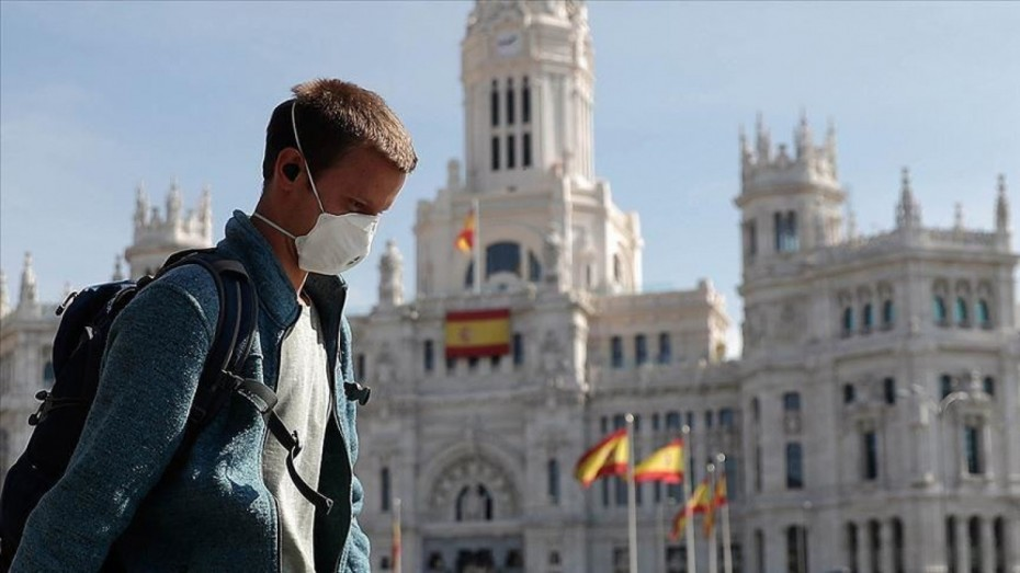 Ξεπερνούν τα 4 εκατ. οι άνεργοι Ισπανοί στο τρίτο κύμα