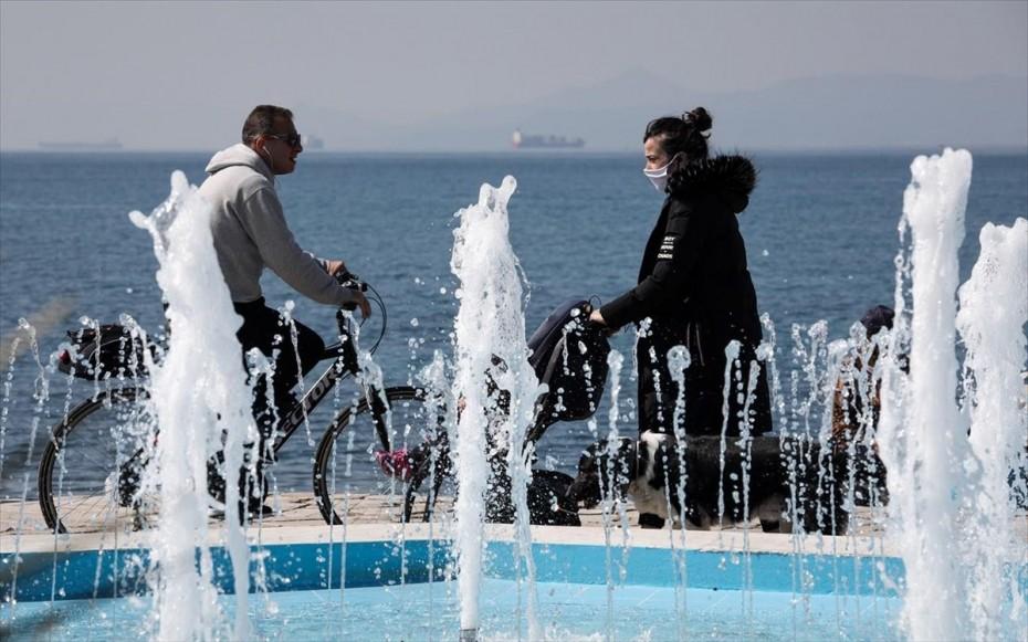 Γεωγραφική κατανομή κρουσμάτων: 1.578 κρούσματα στην Αττική, 435 στη Θεσσαλονίκη