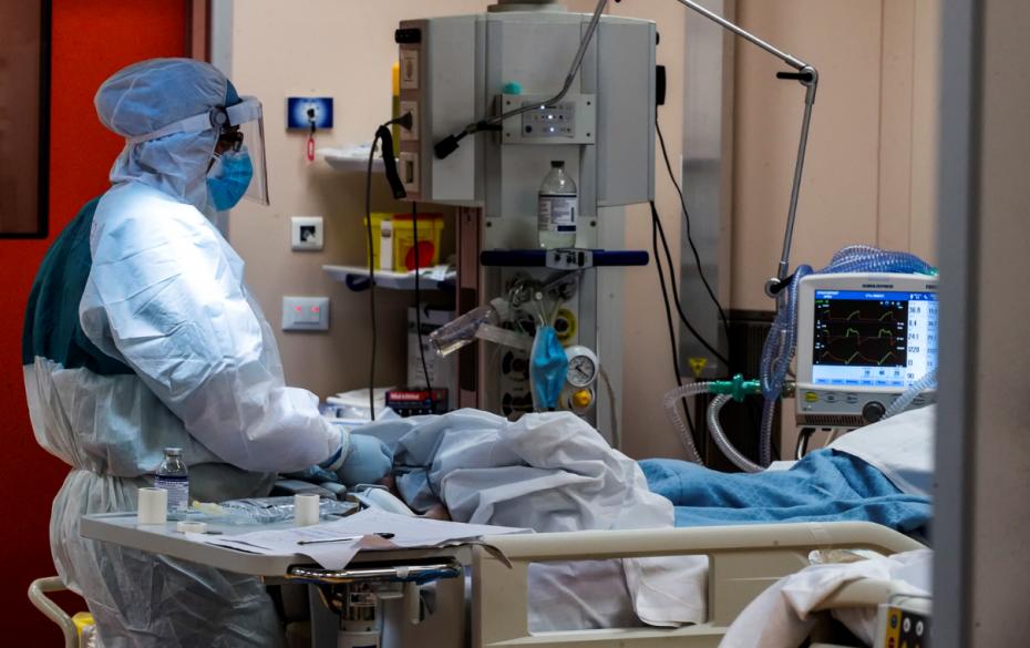 Νέο αρνητικό ρεκόρ στις ΜΕΘ και 78 θάνατοι
