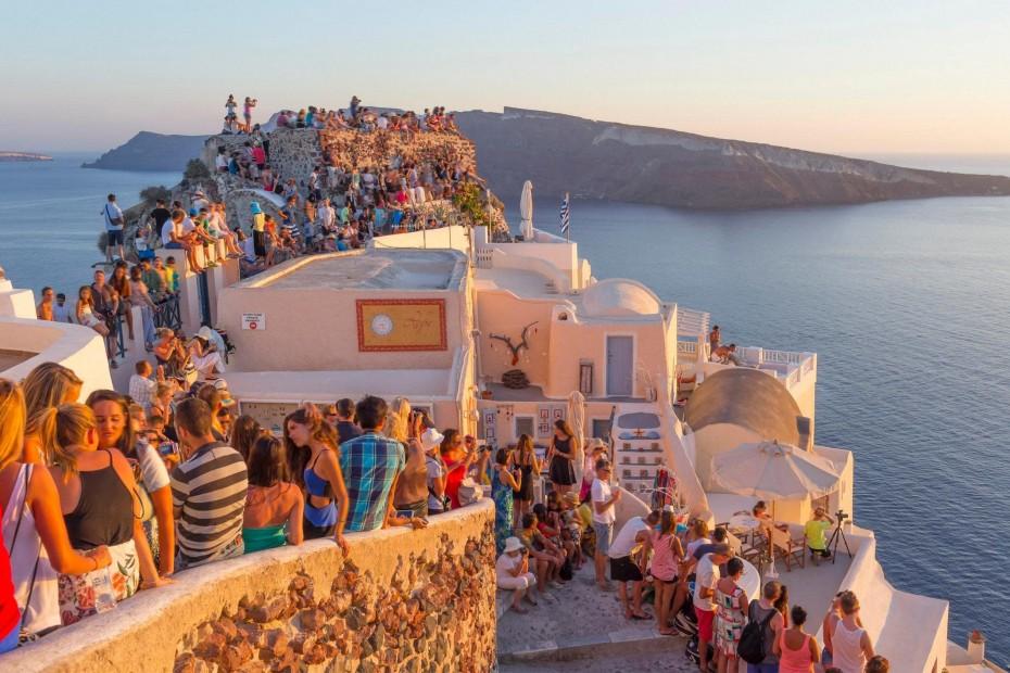 Handelsblatt - Τουρισμός: «H Ελλάδα προχωρά μόνη μπροστά»