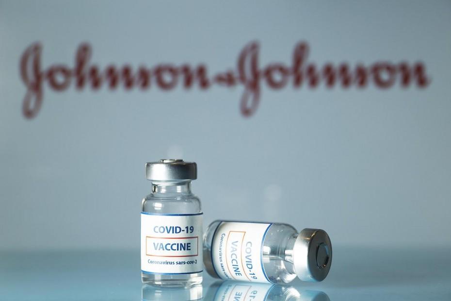 Εμβόλιο Johnson & Johnson: Εν αναμονή των ανακοινώσεων του ΕΜΑ την Τρίτη