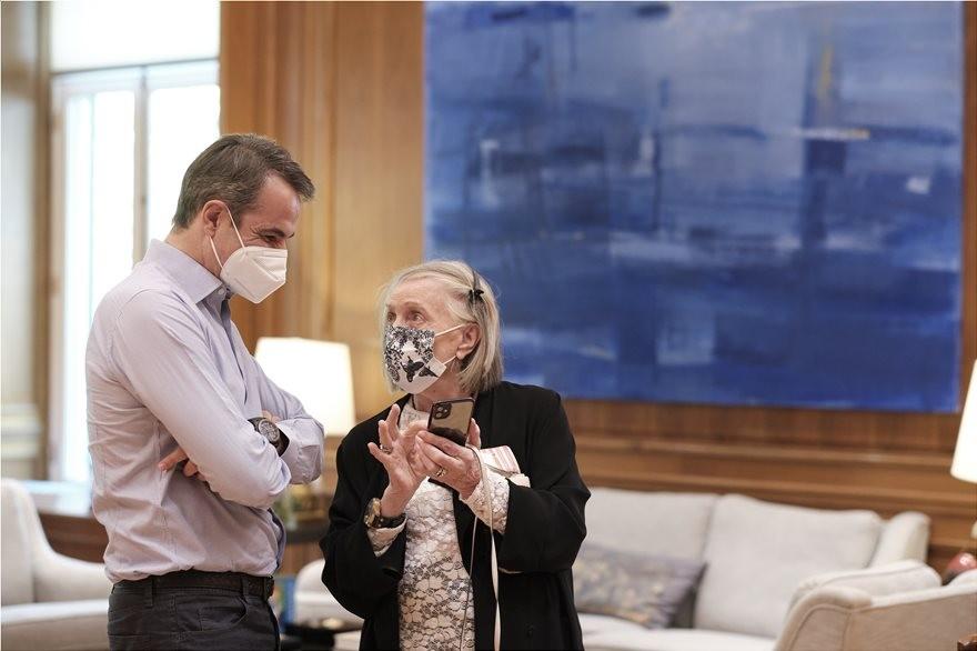 Μαρία-Λουίζα Μηλιαρέση: Η 84χρονη «φαν» του Κ. Μητσοτάκη ήταν το πρώτο ραντεβού του μετά το Πάσχα